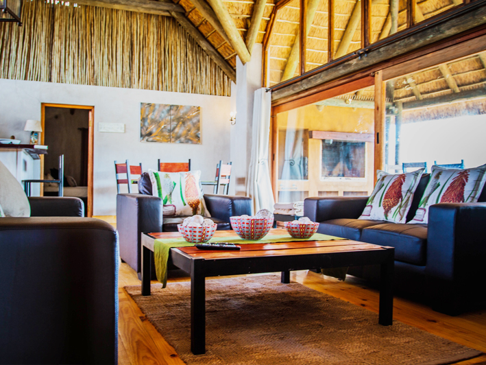 Aloe Ridge Self-Catering Accommodation Lounge Dining